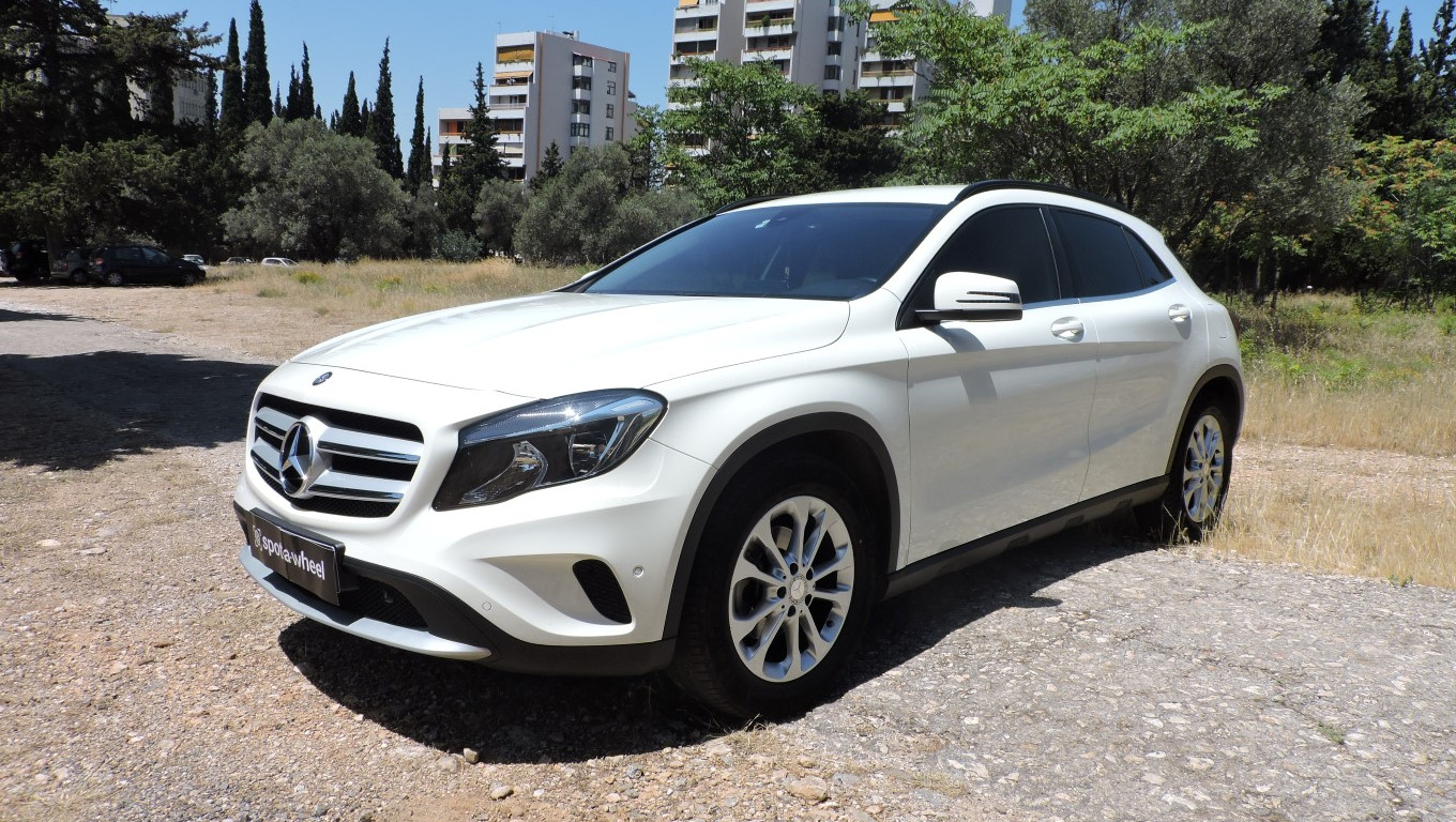 Mercedes-Benz GLA 180  του  2016