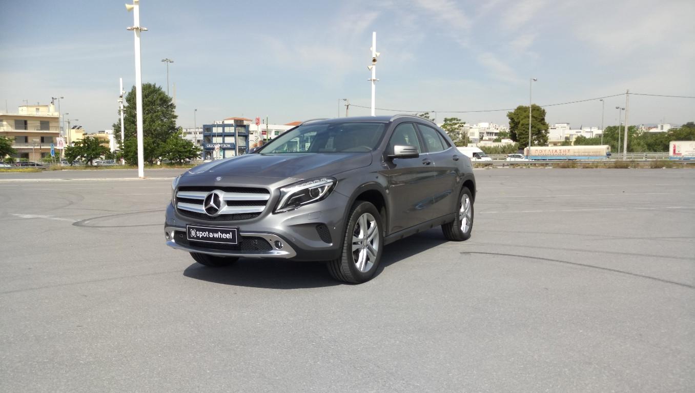 Mercedes-Benz GLA 200 Urban του  2016