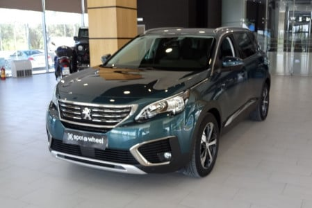 2018 Peugeot 5008 - front-left exterior