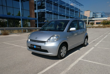 2006 Daihatsu Sirion - front-left exterior