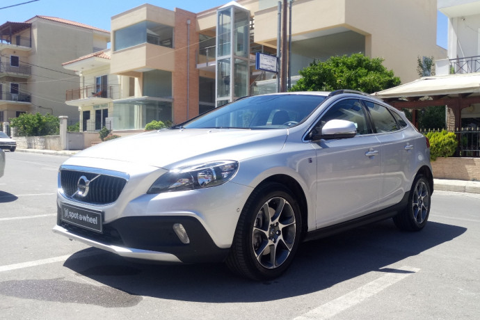 2017 Volvo V40 Cross Country - front-left exterior