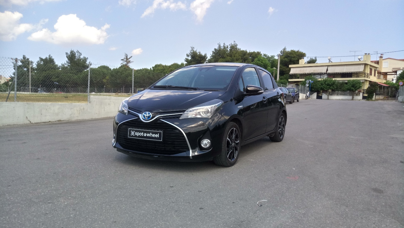 Toyota Yaris Hybrid Angel του  2015