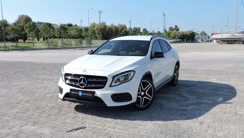 Mercedes-Benz GLA 180 d AMG Line του  2017