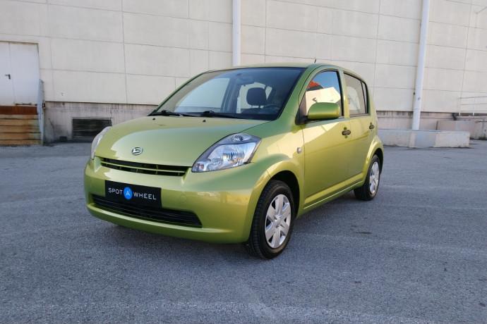 2007 Daihatsu Sirion - front-left exterior