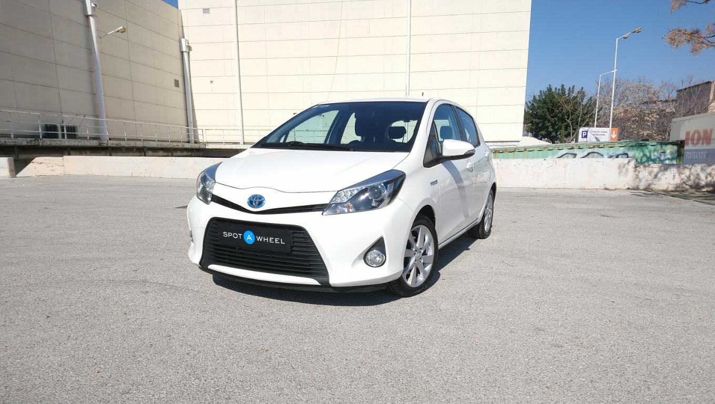 Toyota Yaris Hybrid Club του  2012