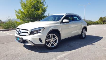 2015 Mercedes-Benz GLA 180 - front-left exterior