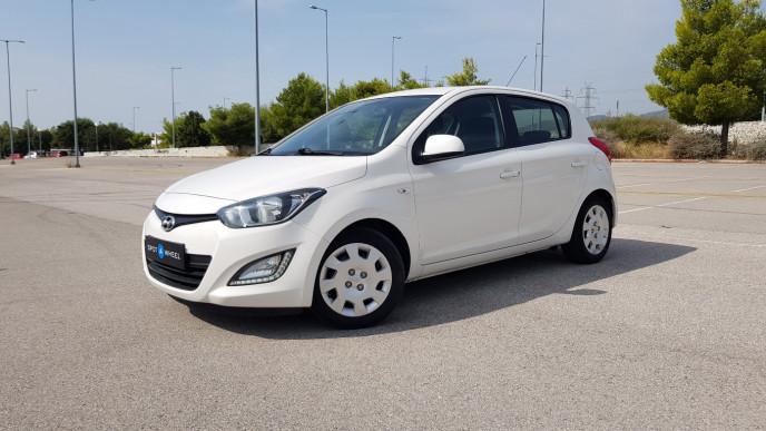 2013 Hyundai i 20 - front-left exterior