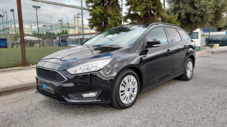 2016 Ford Focus - front-left exterior