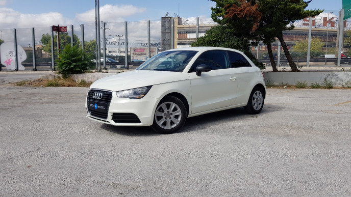 2011 Audi A1 - front-left exterior