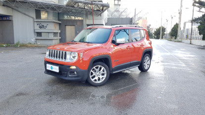 2016 Jeep Renegade - front-left exterior