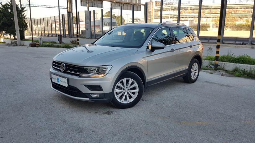2017 Volkswagen Tiguan - front-left exterior