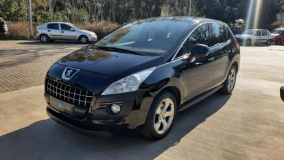 2009 Peugeot 3008 - front-left exterior