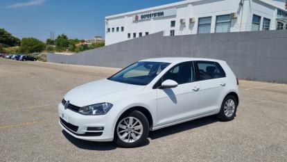 2013 Volkswagen Golf - front-left exterior